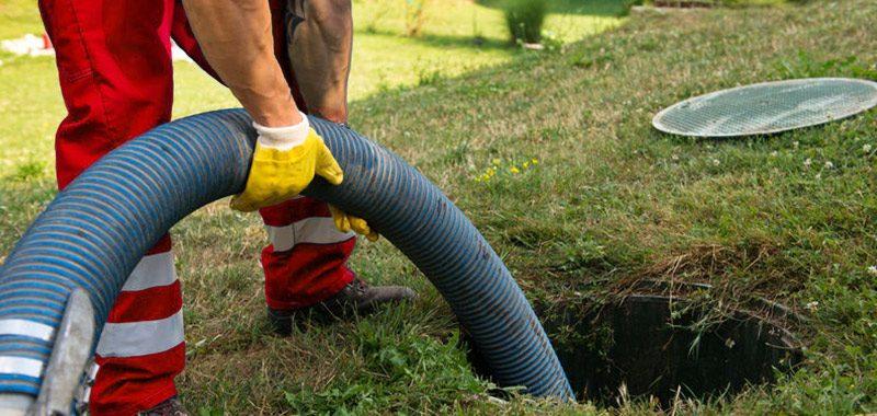 Desentupidora e limpeza de fossas e poços