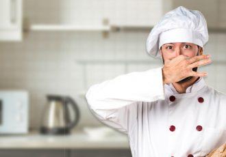 Cheiro de esgoto na cozinha