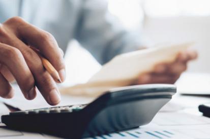 Como um condomínio pode economizar na hora de contratar uma desentupidora?