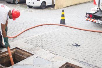 3 benefícios em contratar o hidrojateamento para desentupir canos